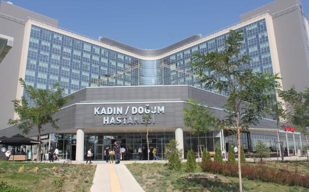 Ankara Şehir Hastanesine Taşınan Zekai Tahir Burak Kadın Doğumda 3 İkiz, 1 Üçüz Sevinci
