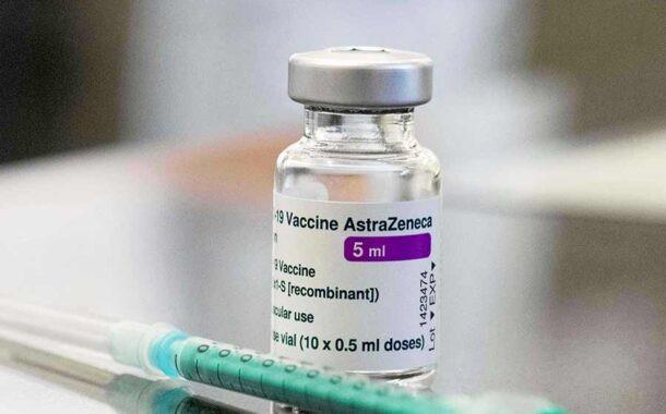 Aşı olan hemşire komaya girdi