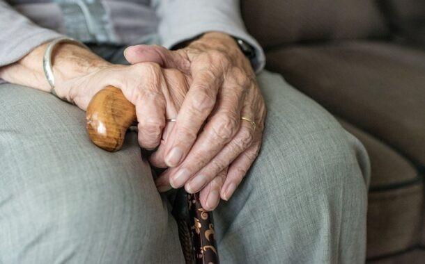 Yaşlı insanların beslenmeleri nasıl olmalıdır?