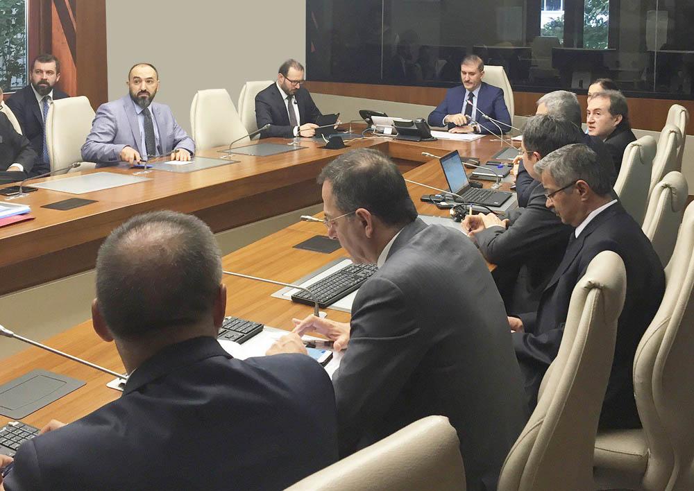Prof. Dr. Eyüp Gümüş SAKOM'da, 81 İl sağlık yöneticileri ile video telekonferans sistemi aracılığıylagörüşme yaptı.