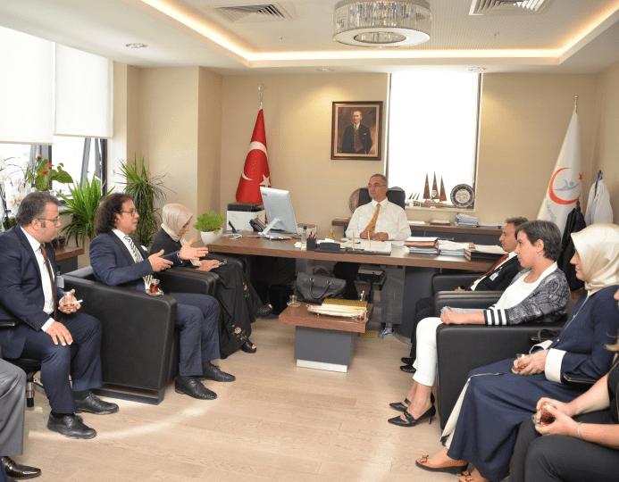 Kamu Hastaneleri Genel Müdürü Prof.Dr. Murat ALPER tarafından 5 Hastaneye Teşekkür Belgesi Verildi