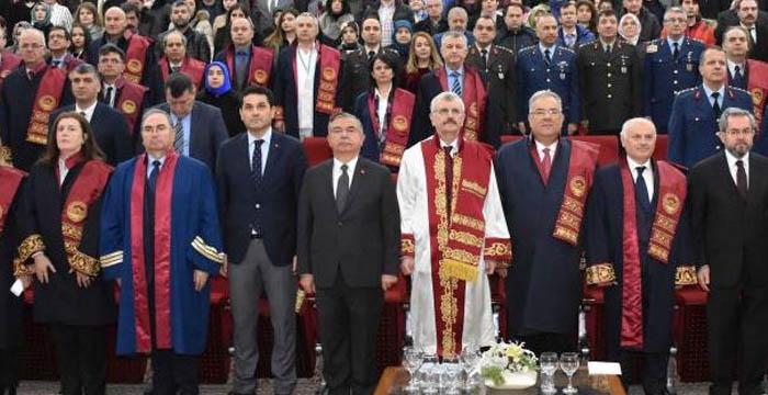 Gülhane'nin 120. kuruluş yıl dönümünde akademik cübbe ve önlük giyme töreni düzenlendi.