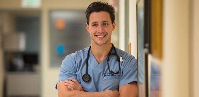 Doktor erkeklerin çekici olmasının sebebi - Ekşisözlük Geyikleri
