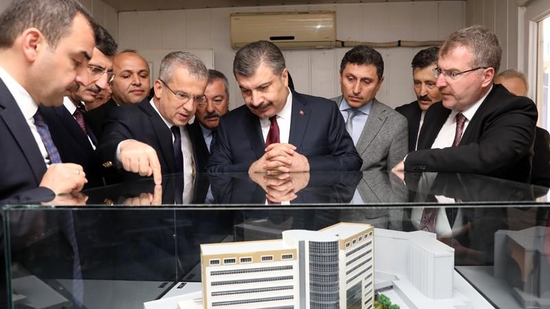 Sağlık Bakanı Fahrettin Koca, Zonguldak Atatürk Devlet Hastanesi İnşaatını İnceledi
