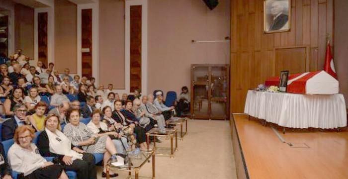 Türkiye'de ilk kalp naklini yapan Opr. Dr. Kemal Bayazıt, 89 yaşında vefat etti