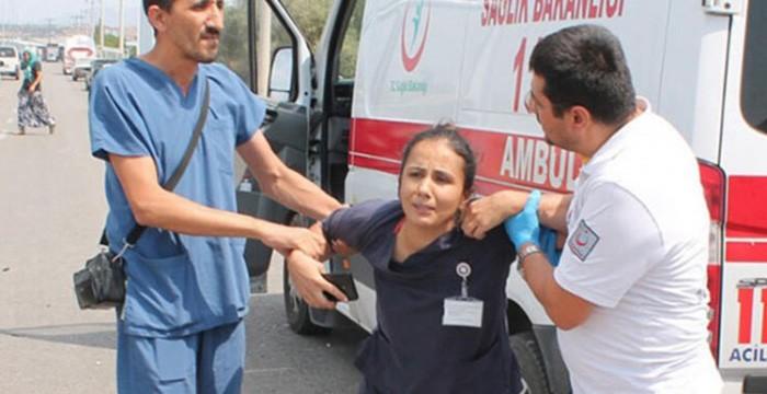 Hemşire eş trafik kazasını hastanede duydu, olay yerine koştu