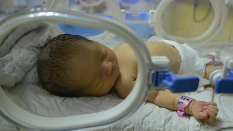 Beyin ölümü 117 gün önce gerçekleşen kadın, doğum yaptı