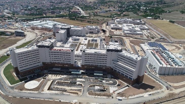 Elazığ Fethi Sekin Şehir Hastanesi sağlık kadrosunu güçlendirmeye devam ediyor