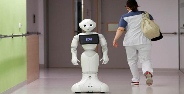 Robot hemşireler geliyor