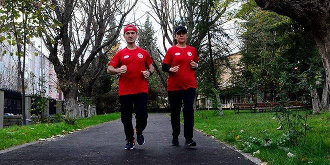 Atletizmci Doktor Çift