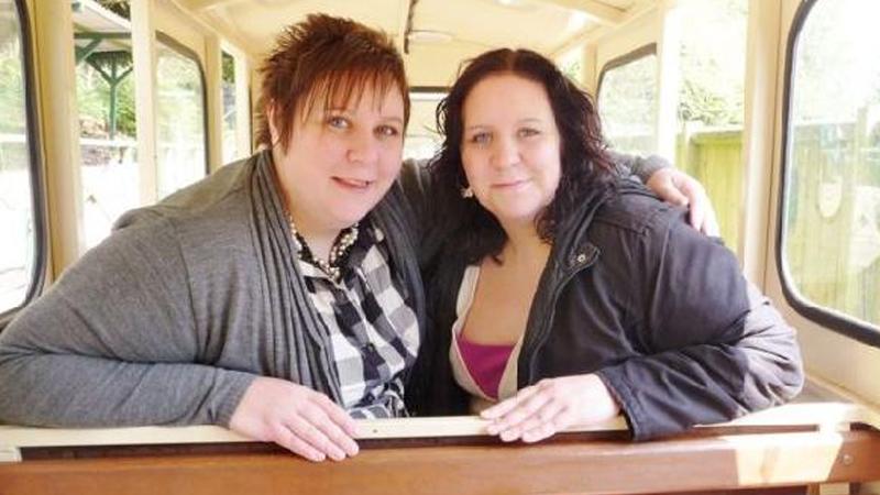 İkiz Hemşireler Koronavirüs'e Yenik Düştü
